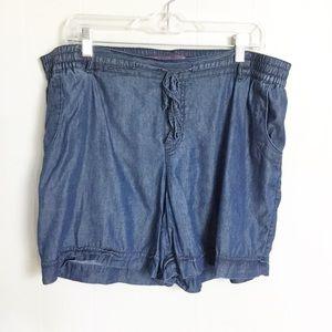 Gloria Vanderbilt Blue Shorts Size L Chambray